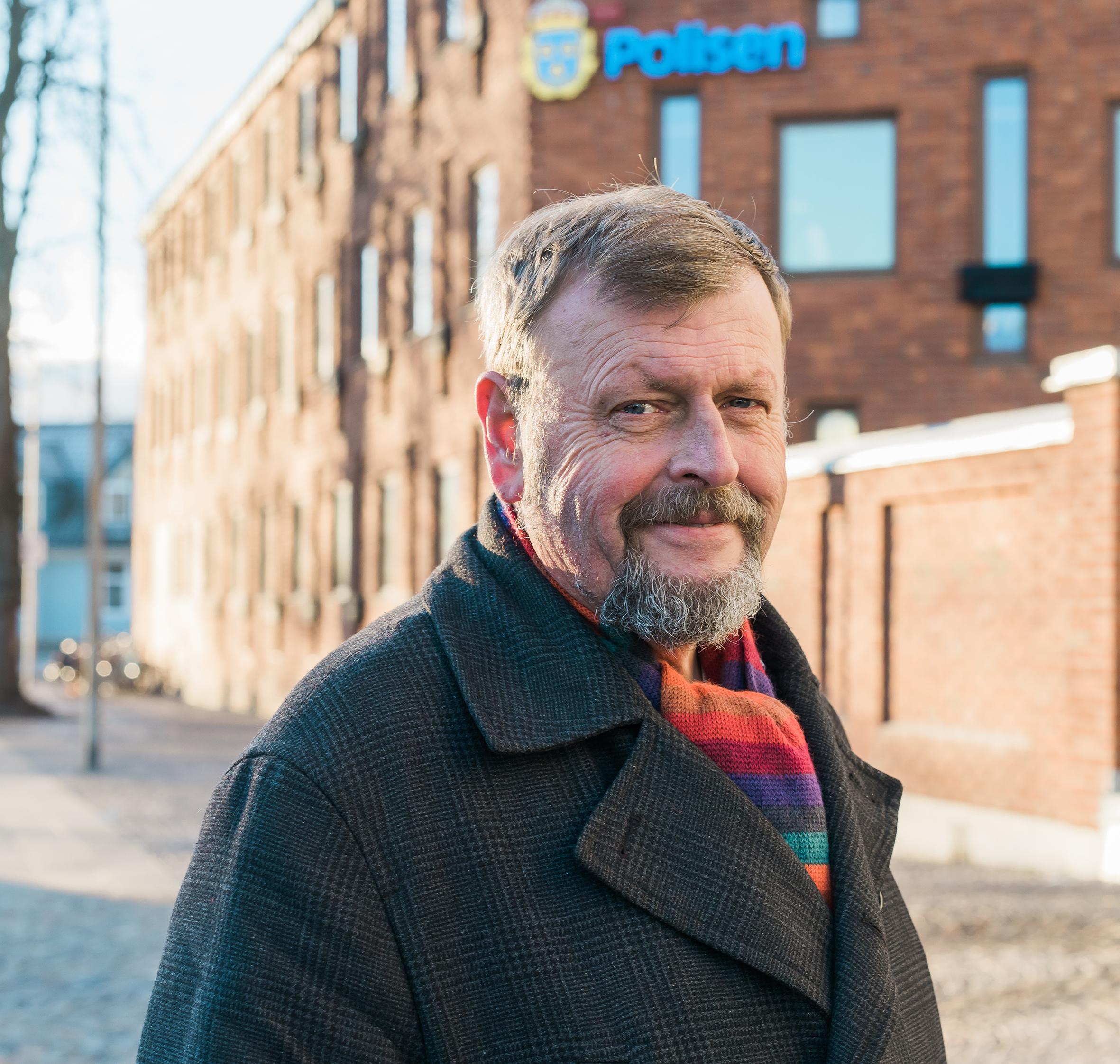 Leif Östberg har en hörselnedsättning, efter många år i polisyrket. Det tog fyra års kamp mot Försäkringskassan innan han fick rätt.
