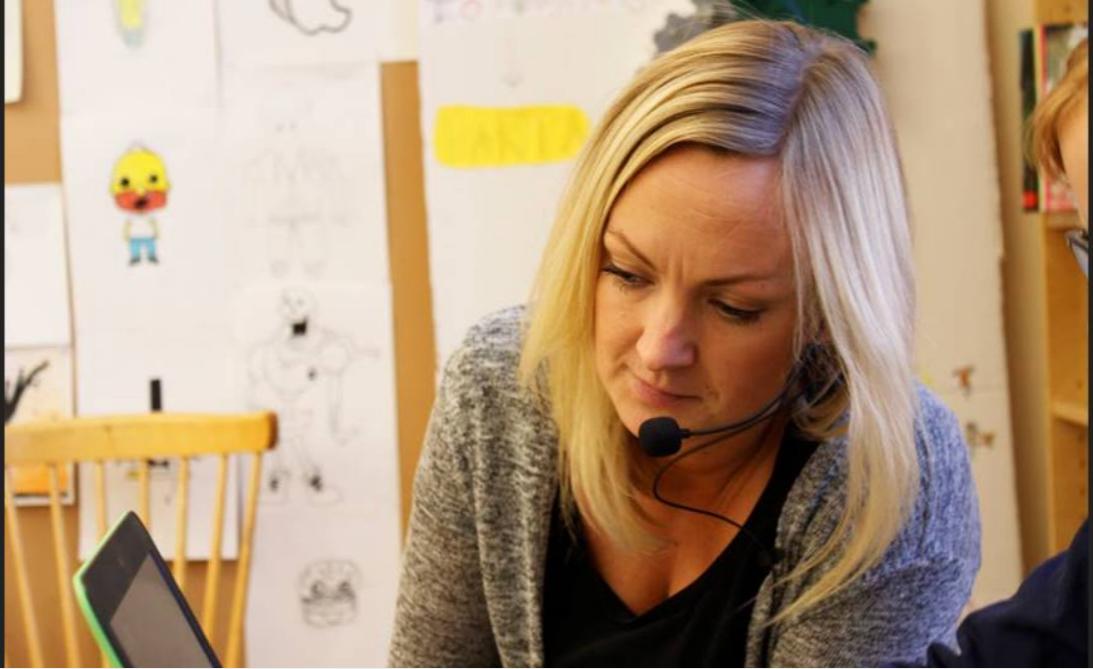 Matilda Markskog är lärare i en klass som fått mycket hjälp med ljudanpassning.