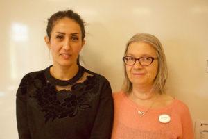 Läraren Sarra Tlili och samordnaren Satu Raunela på vuxenutbildningen i Haninge.